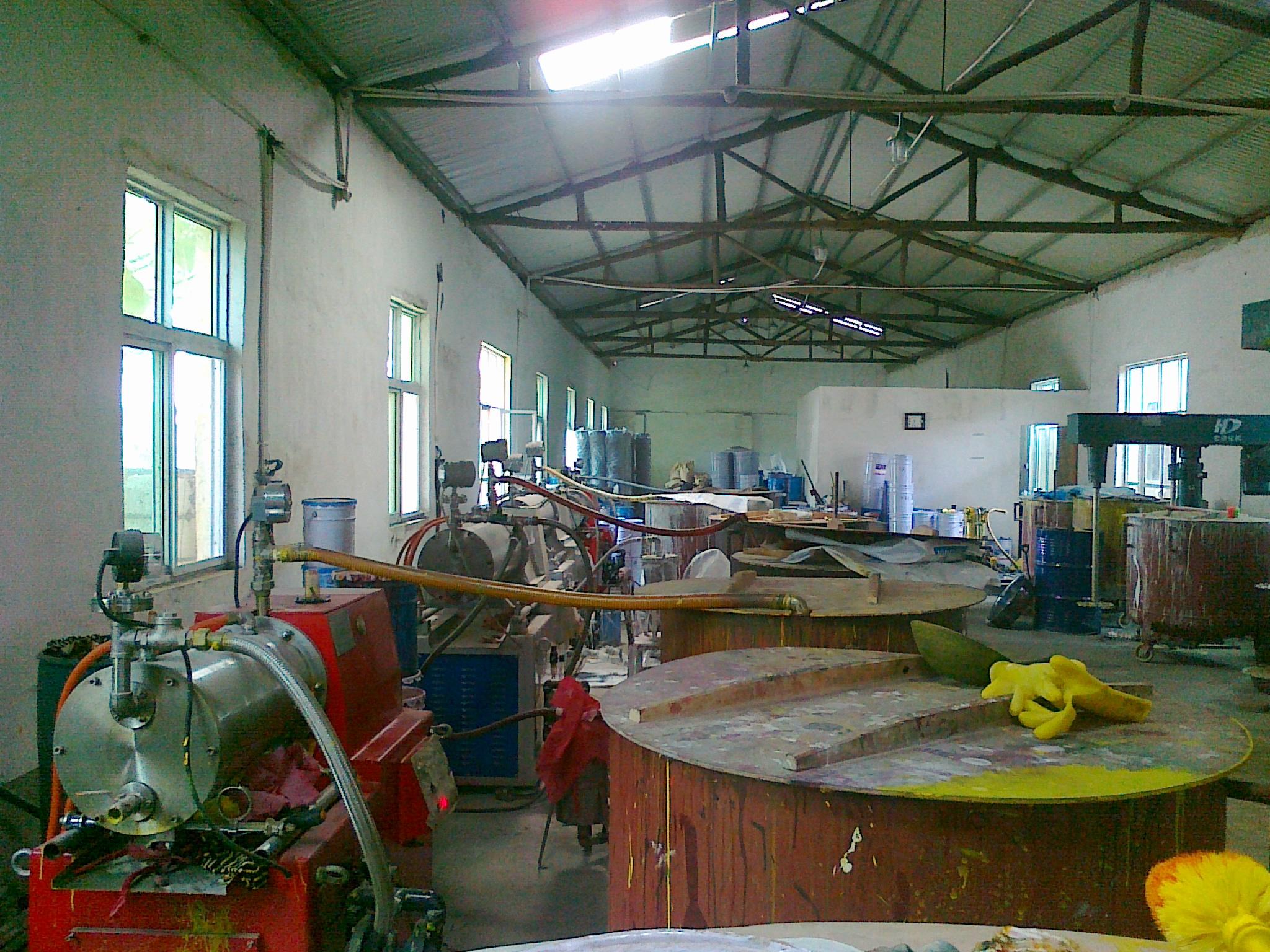 河南客户油漆生产现场