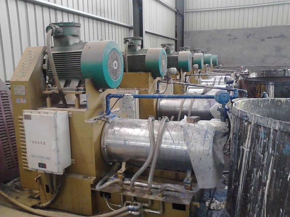 山东博兴客户使用砂磨机生产彩钢涂料现场